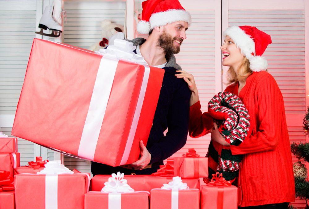 Cheap Christmas Holidays with online shopping deals.  Get best Christmas deals when shop black Friday deals.