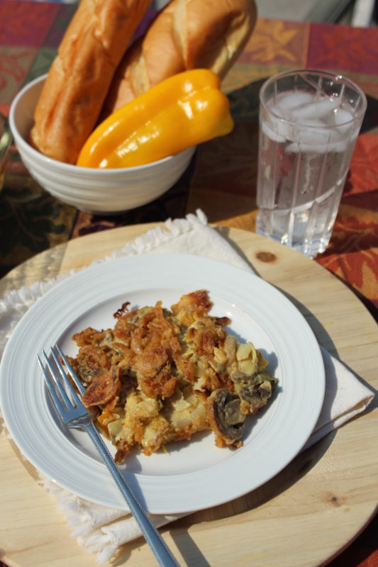 Veggie Bean Alfredo Casserole #comfortfood #vegetarian #vegetariancomfortfood #vegetarianrecipe #vegetablesidedish #veggies #casserole