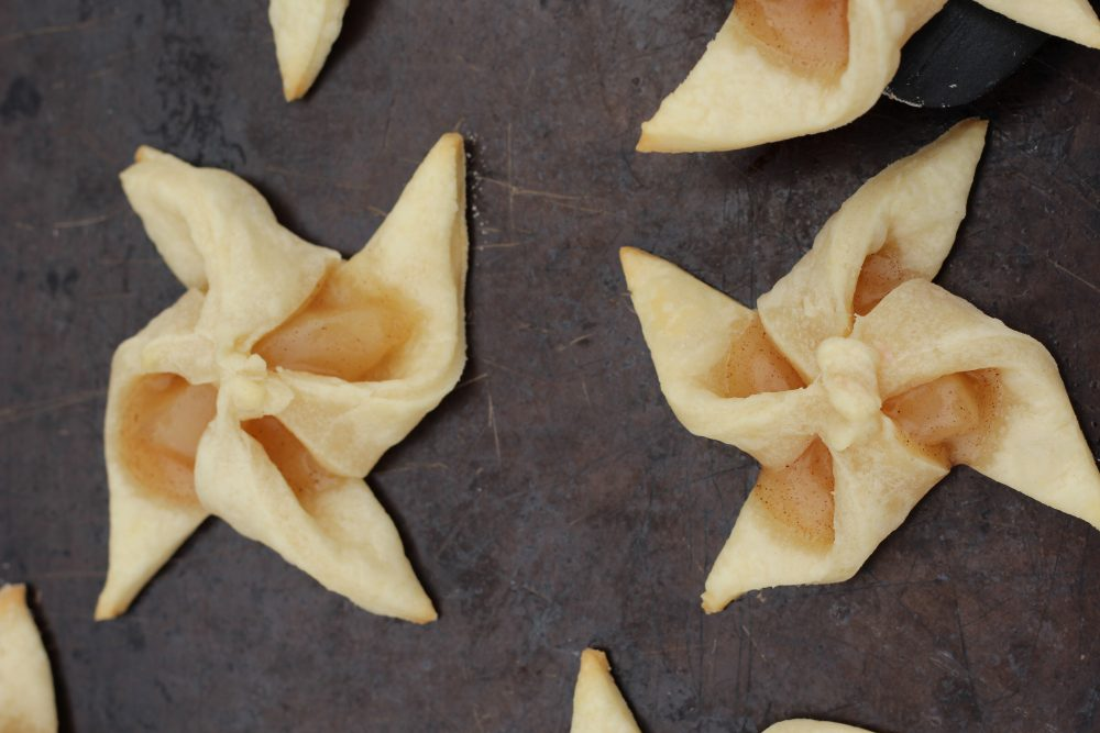 Apple tarts for Christmas holiday baking a Finnish cookie recipe a tasty recipe for holiday baking. Christmas cookie recipes star shaped flaky pastry cookies.