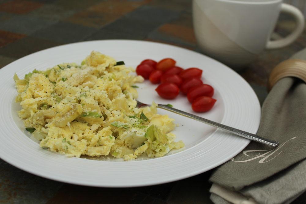 Quick Mini Vegetable Egg Bake. #breakfast #breakfastrecipes #brunch #quickmeals #easyrecipes #brunch #recipesforone #recipeforone #recipefor1 #microwave #eggs #eggbake #vegetarian #vegetarianrecipes