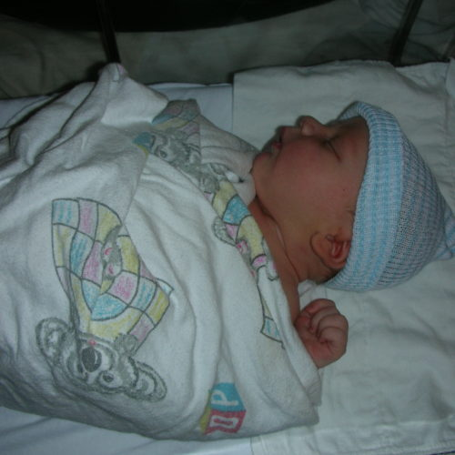 Newborn baby in the hospital. The importance of prenatal diagnosis in a healthy pregnancy.