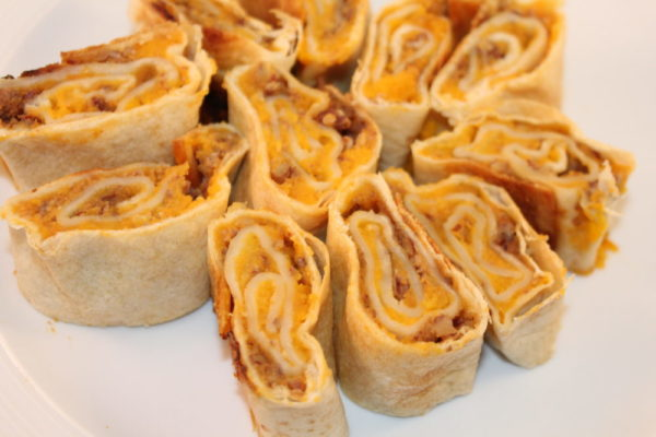 Yummy Pecan Squash Rolls Appetizer. Vegetarian recipe. Easy recipe. Delicious and tastes more like a treat than a vegetable roll. Tasty easy recipe for groups or as a side dish.
