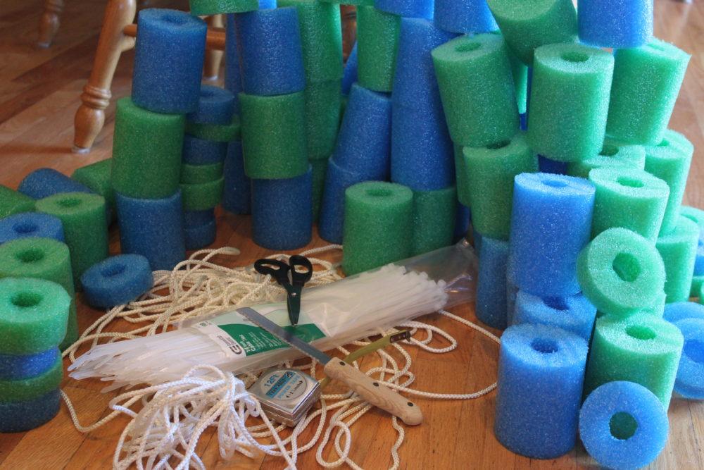 DIY Pool Noodle Float Raft.Supples for pool noodle raft