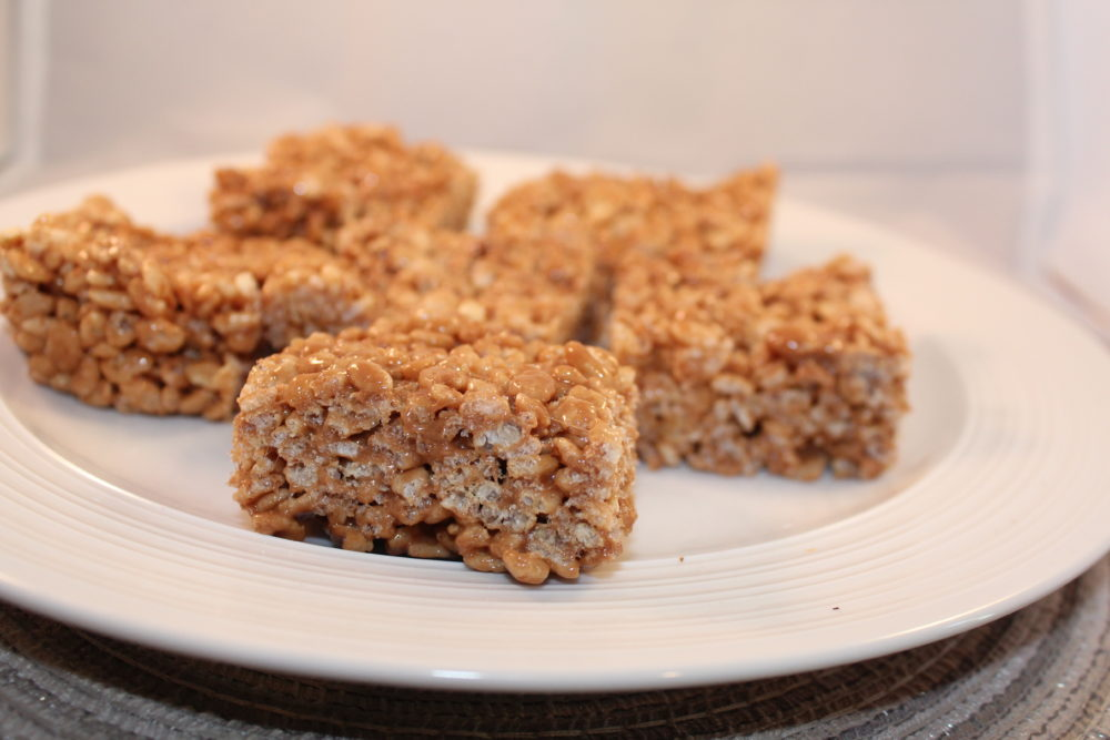 Plate of Nutella Rice Krsipie Bars