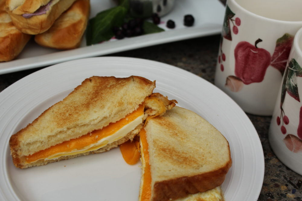 Brioche bread sandwich. 1 pan egg sandwich on brioche bread. bakerly soft brioche bread. #easylunchidea #fastrecipe #eggsandwich #eggs #recipeforone #eggandcheeses #sandwich #brunchrecipe