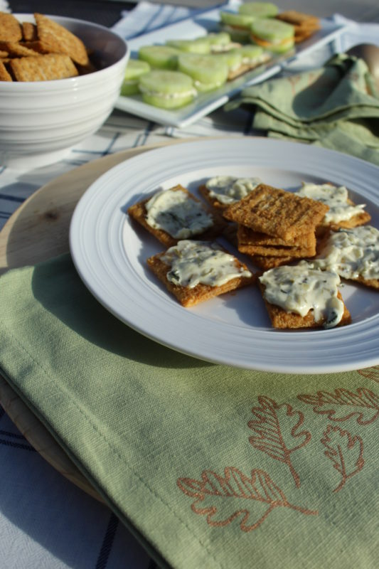 5 Simple Ways to Serve Spinach dip including Hawaiian bread sandwiches, mustard flavored Triscuits, cucumber sandwiches #appetizer #appetizers #partyfood #fingerfood #appetizersforacrowd #vegetarianfood