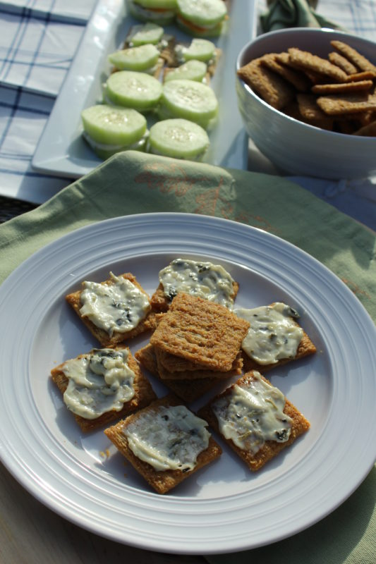 Baked Zingy Mustard Triscuits with Spinach Dip appetizer or snack. Appetizer for a party. Appetizer-recipe. #appetizers #appetizerrecipe #fingerfood #partyfood #appetizersforacrowd #appetizersforaparty
