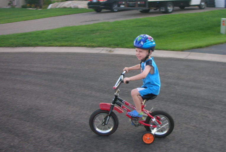 6 Tips to make Exercise more fun for the family. #biking #familytime #familyfun #exercisingwithkids #familytime