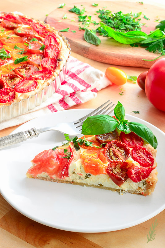 Chevre Tomato Tart Meatless dish. Vegetarian. #vegetarian #vegetarianrecipe #tart #meatlessmonday #meatless #summerdish #tomatorecipes #dinner #dinnermeal #dinnerideas #lunchideas