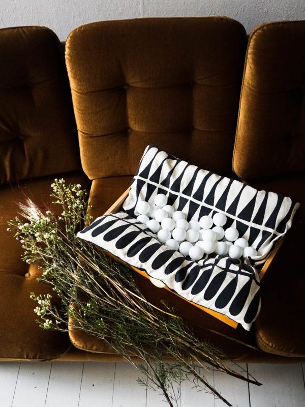 Easy DIY Ping Pong Ball Lights home lighting decoration with flowers #diy #homelighting #homedecor #easydiy #lighting #frugaldecorationg #frugaldiy #holidaydecorating