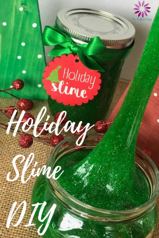 Glitter Holiday Slime DIY recipe. #familyfun #christmas #slimerecipe #holidaydiy #diyproject #craftsforkids #diy #christmasactivity #kidsactivity