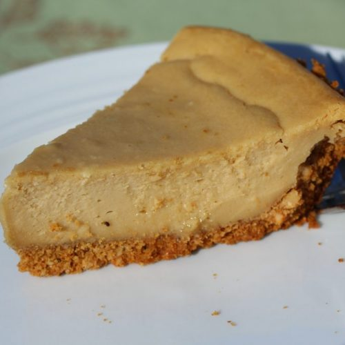 Cookie Butter Cheesecake with Crumbly Cashew Graham Cracker Crust