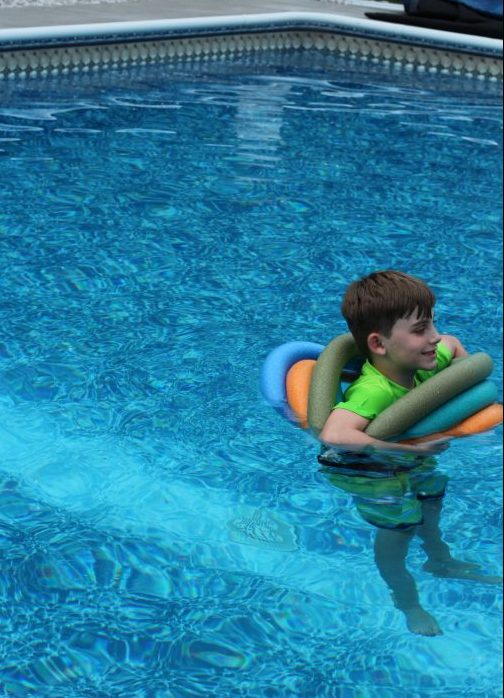 DIY Pool Floaty Toy Made with Pool Noodles Use it like an inner tube