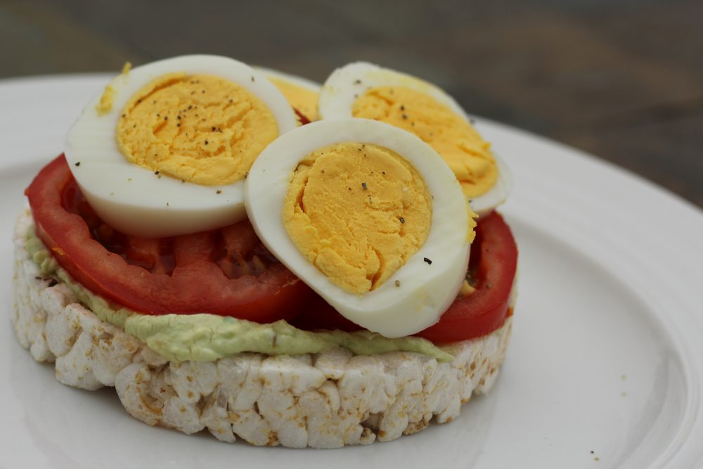 Ten Healthy Recipes for Rice Cake Toppings. Avocado, cream cheese, jalapeno, tomato, sunflower seeds, egg light breakfast or meal