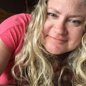 Julie Hoag YA author, blogger, lifestyle blogger, writer