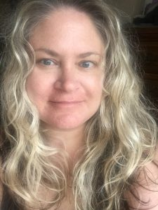 Julie Hoag writer author blogger influencer