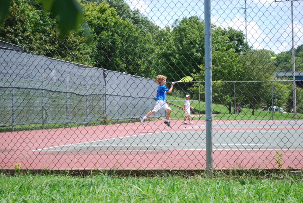 playing tennis, the benefits of playing tennis, tennis for teens
