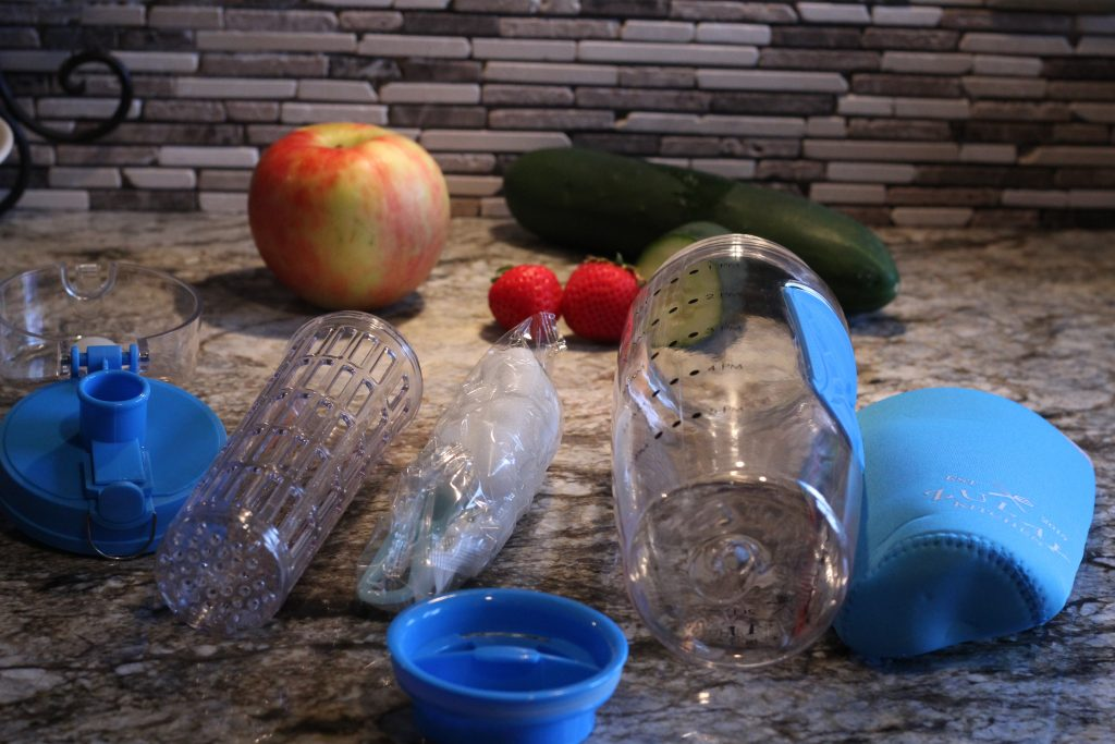 The Best Infusion Water Bottle for Busy Moms components to the bottle